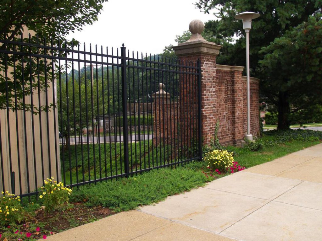 richardson-fence-pros-iron-and-aluminum-1_orig